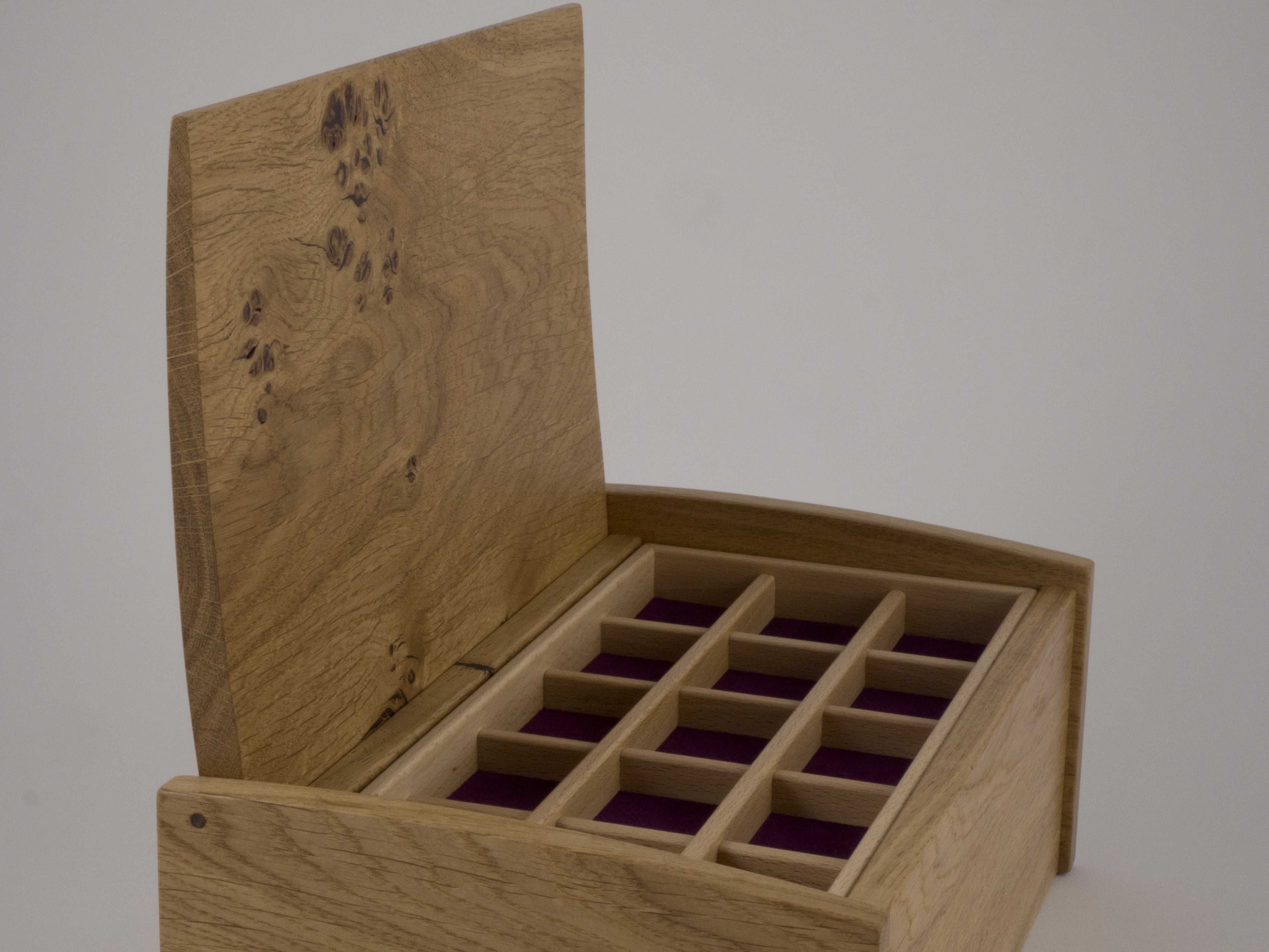 Side view of the jewellery box