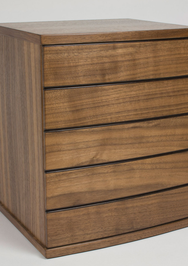 Dressing table size chest of drawers