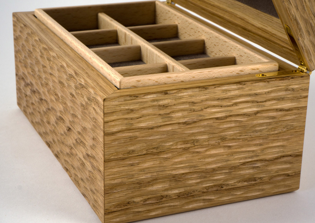 Inside the jewellery box are lift out storage trays