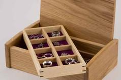 Small curved lid oak jewellery box