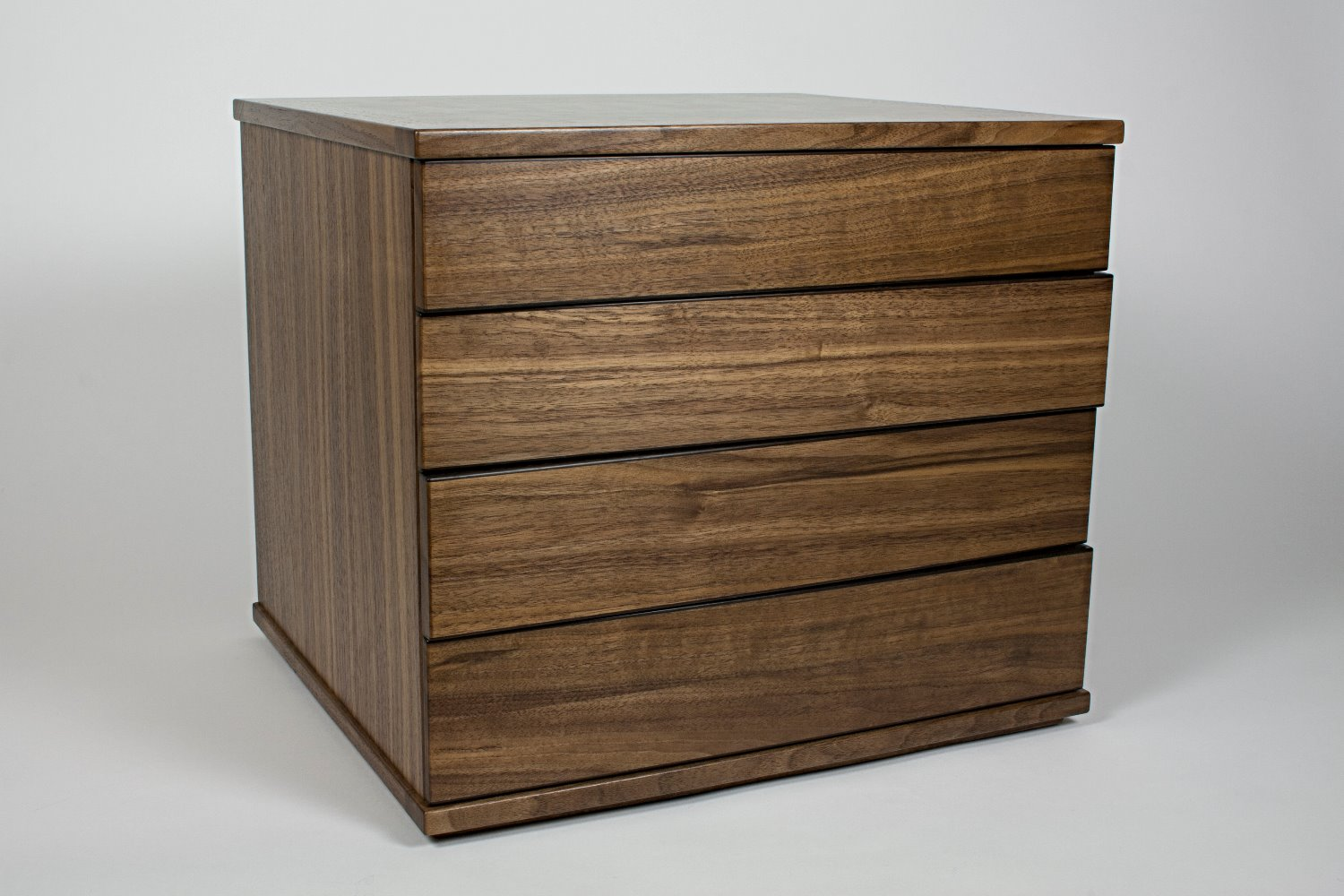 Walnut jewellery chest of drawers