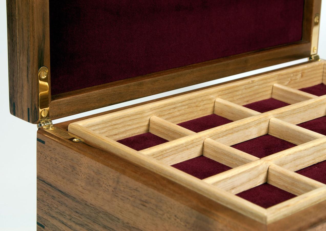 Fine bespoke jewellery box