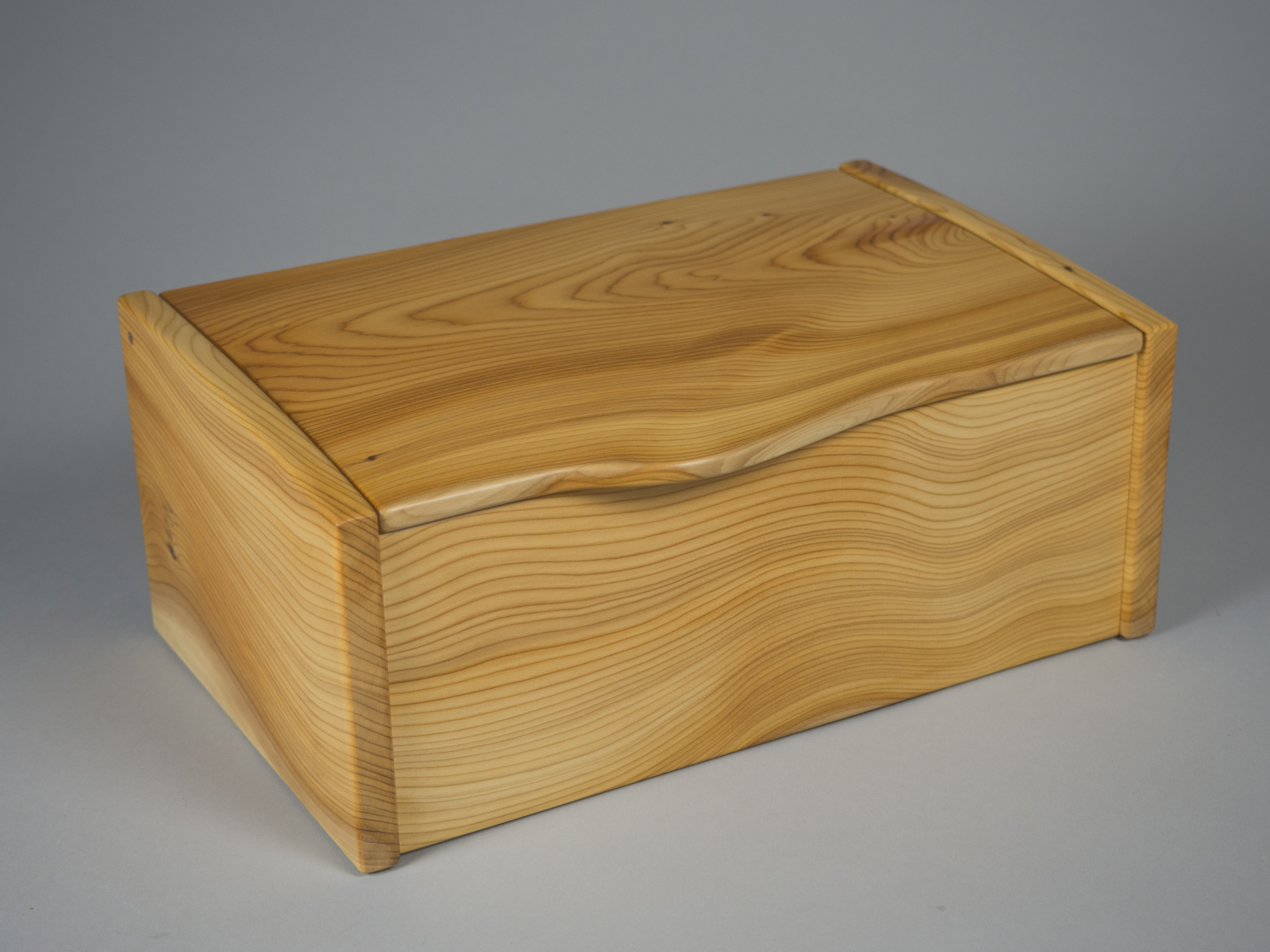 Box for jewellery made from yew