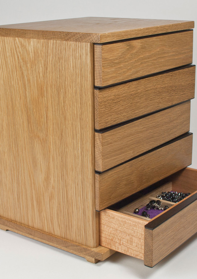 Dressing table sized jewellery chest of drawers