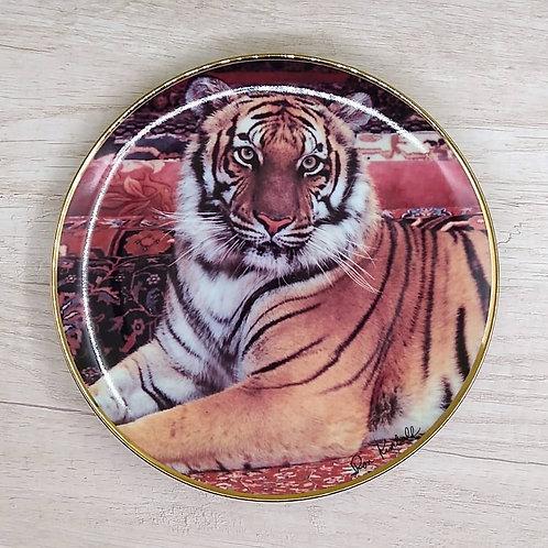 """Plato de Colección Ron Kimball"""" The Imperial Tiger"""" (Edición Limitada)."""
