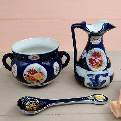 Set porcelana azúl cobalto.
