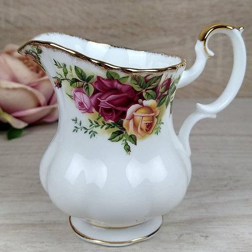 Cremero Old Country Roses, Royal Albert.