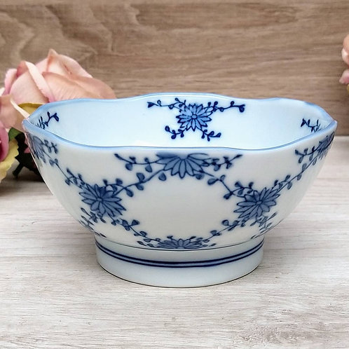 Bowl oriental Blue and White.