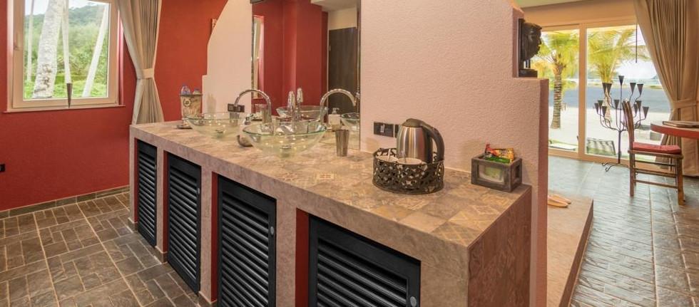 Luxurious Sanitary Area - Ocean Grand Deluxe.jpg