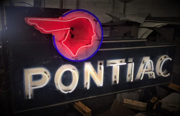 pontiac Sign Restore - Downtown Neon