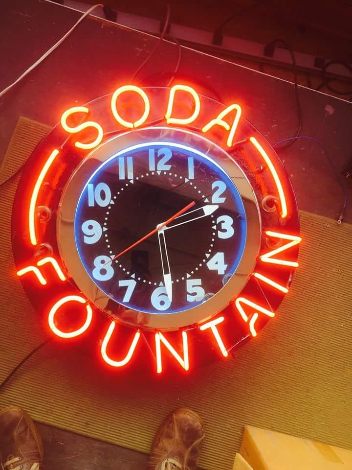 Soda Fountian Clock