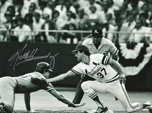 KEITH HERNANDEZ ST. LOUIS CARDINALS Hand SIGNED 8x10 B&W PHOTO Fielding