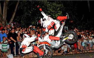 Hoje tem um show de Acrobacia da equipe Força e Ação, de São Paulo