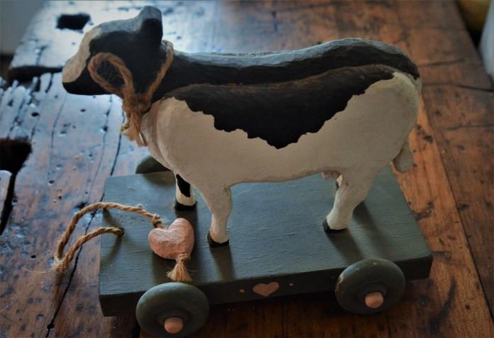 Wood cow