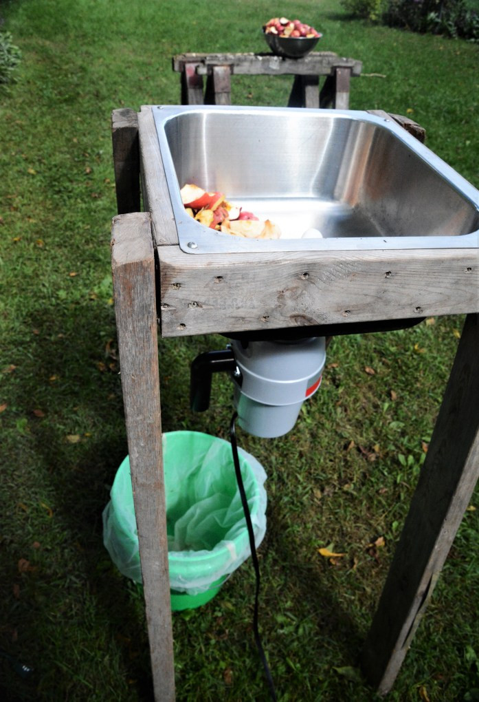 sink with disposal for grinding apples