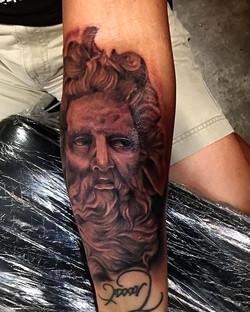 Este tatuaje lo hise en la convencion de Tampa grasias a toda esa gente Bonita por SU apoyo y SU con