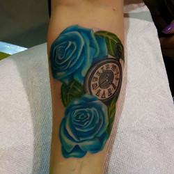 #oaxtattooink #gavo1 #roses ##thefreestylerules o_#oax #rocks #masstattooconvention2016#masstattooco