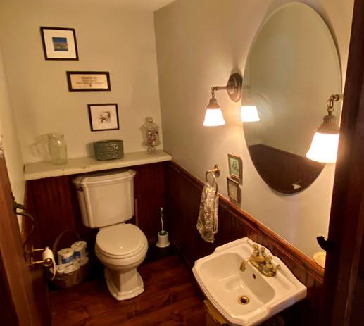 15 Half Bath 2.jpg