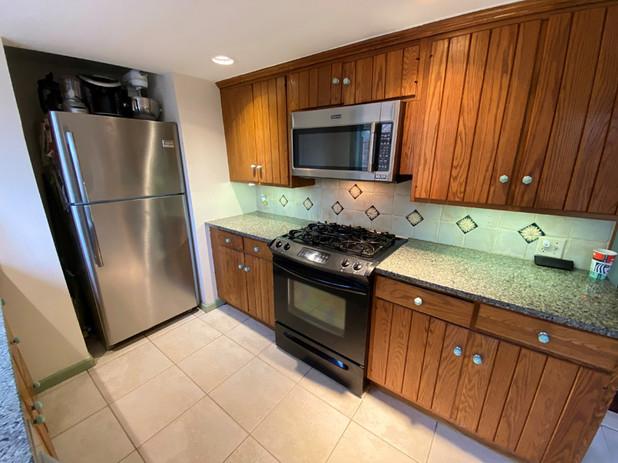 9 Kitchen Frig.jpg