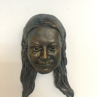 poly portrait bronze finish 2