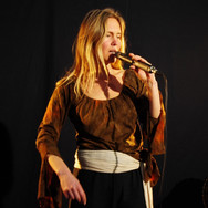 Delphine Cam