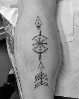 Nordic Geometric Arrow