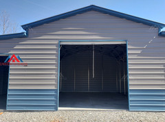front center view of 50x30 metal barn