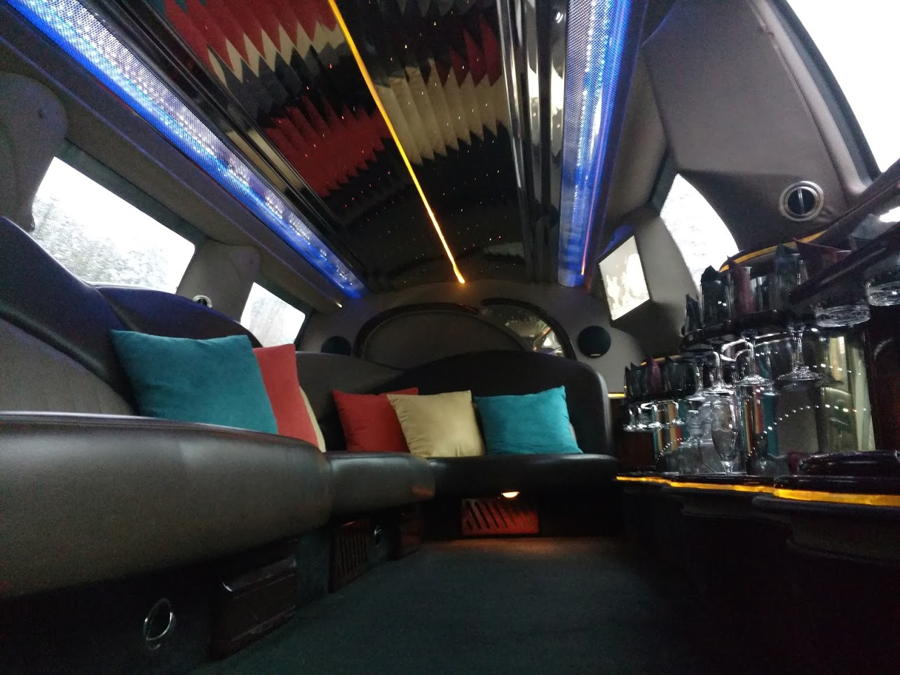 Emerald Limousine Service Rental Dayton Ohio Party Bus