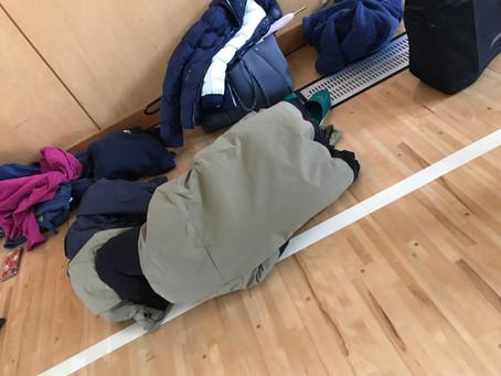 練習中寝ている人がいました