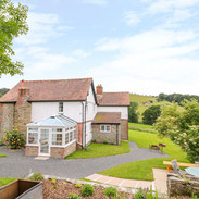 farmhouse retreat for womens purpose in life journey includes gorgeous accommodation, journaling, tarot, reflexology.jpg