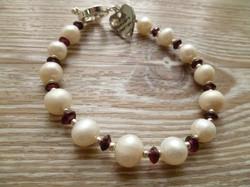 Fresh Water Pearl and Garnet Bracele