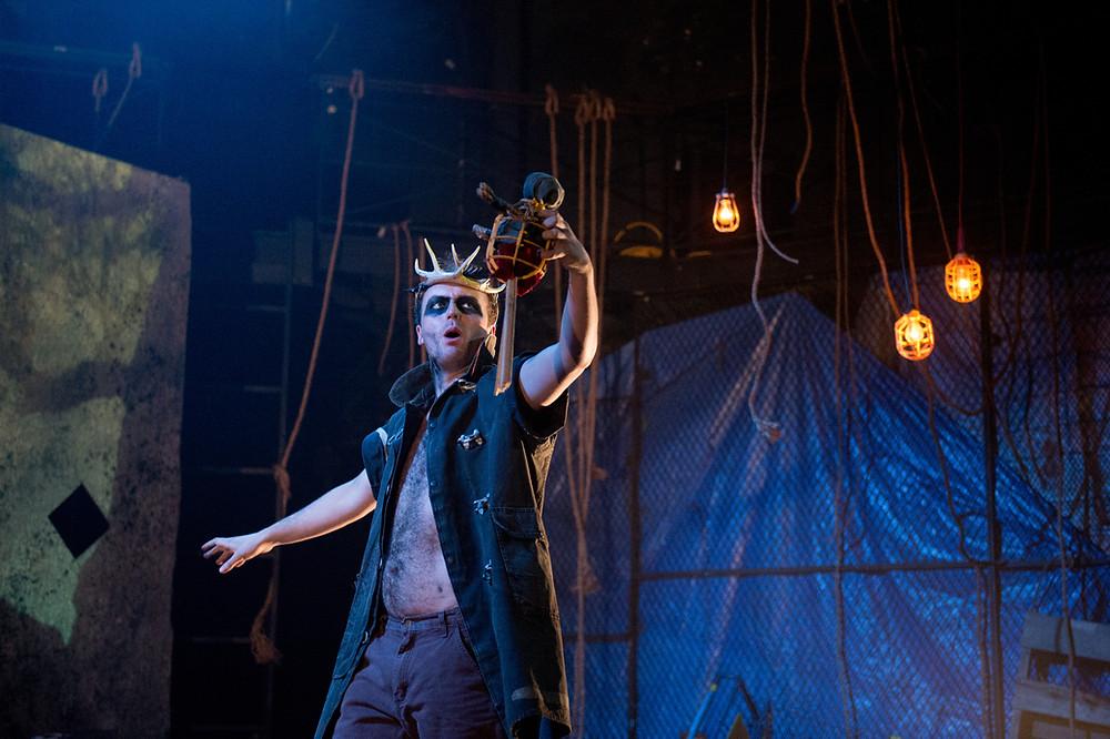Niall Powderly as Oberon