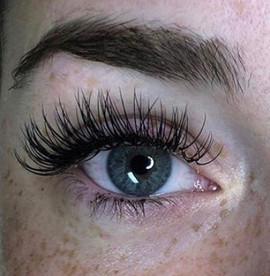 Volumous Lashes by Maggie!