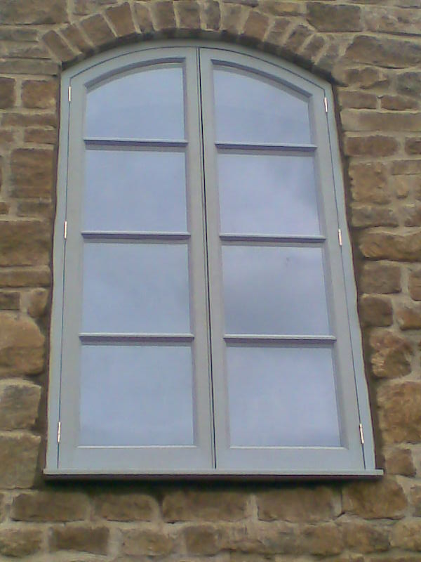 Arched Flush Window
