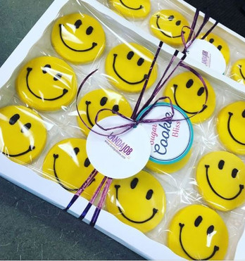 """""""At LandaJob, we love to make people happy by matching great candidates with great jobs. We truly enjoy giving Sugar Cookie Bliss cookies to our clients and candidates as gifts as they always bring a 'smile' to everyone's faces!"""" -Suzanne Wolff, LandaJob"""