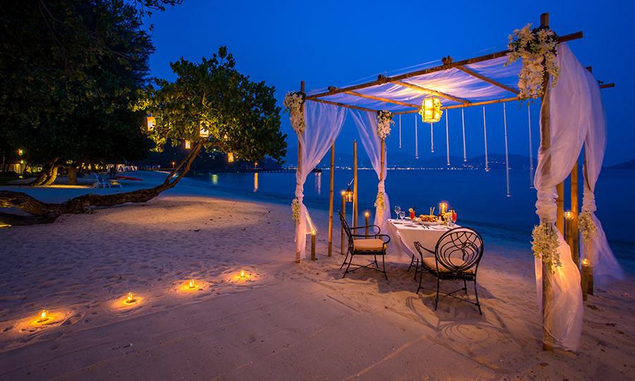 beach-dining-01.jpg