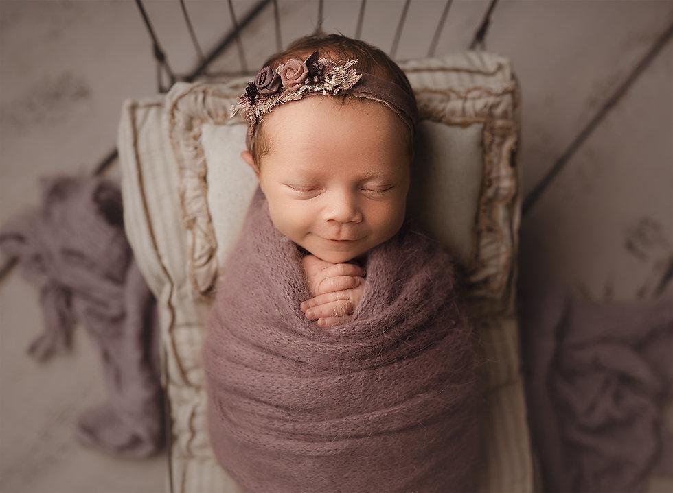 Rustic Heart Photography - Newborn.jpg