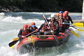 rafting-293542_1920.jpg
