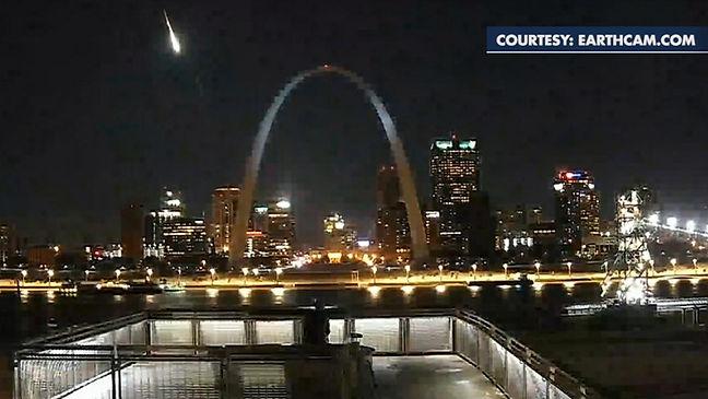 meteor arch.jpg
