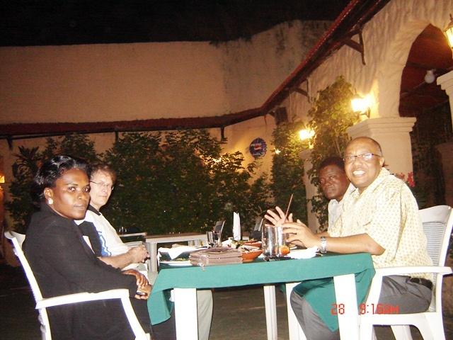 Momi Africa - BERT+Send forth dinner
