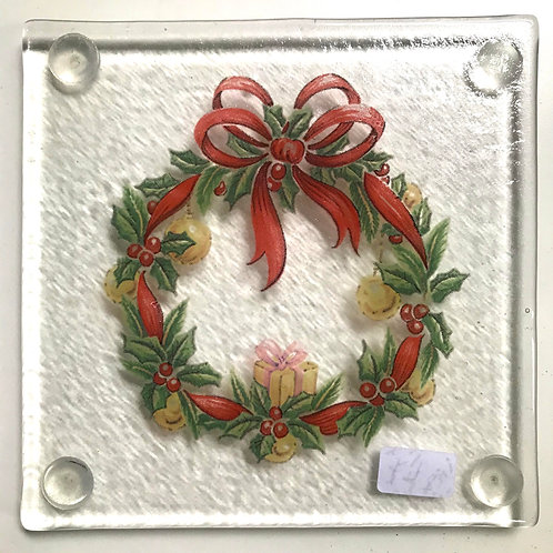 Glass Christmas Wreath coaster byJill Iliffe