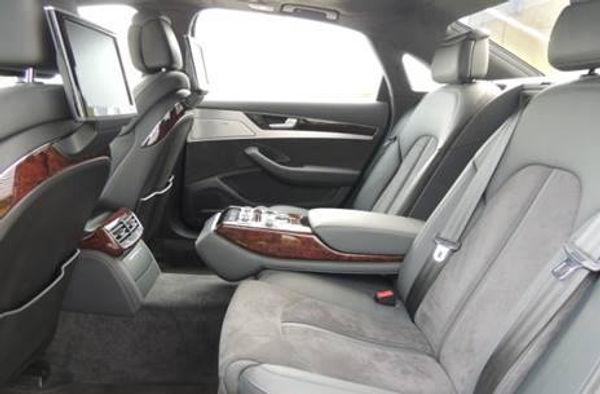 Taxi Defrance Audi A8 intérieur véhicule 5places - taxi à laqueuille taxi à la bourboule taxi à perpezat taxi à rochefort montagne - taxi puy-de-dôme