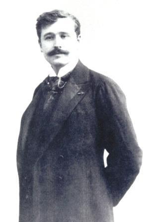 Georges_Feydeau standing