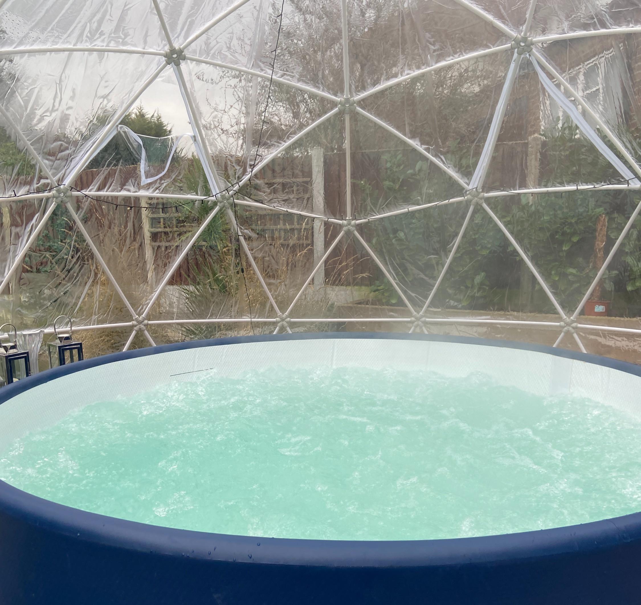 Hot Tub & Igloo Package (Weekend)
