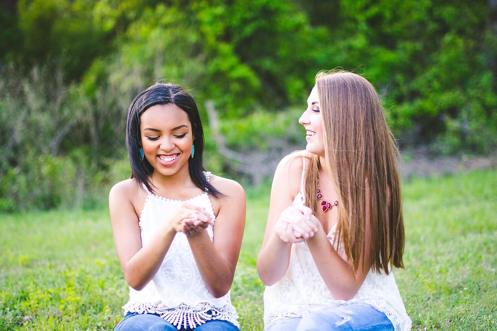 Alyssa&LaurenSeniorPhotos2015HNP-3962.jpg