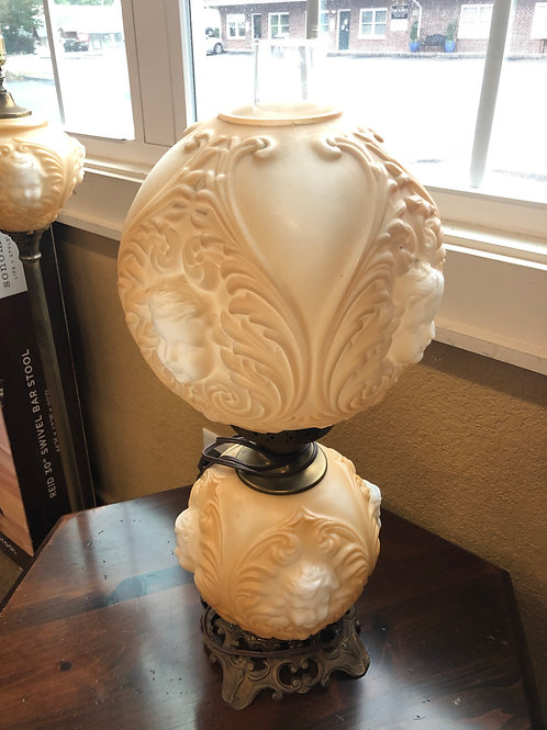 Peach Colored Vintage Table Lamp