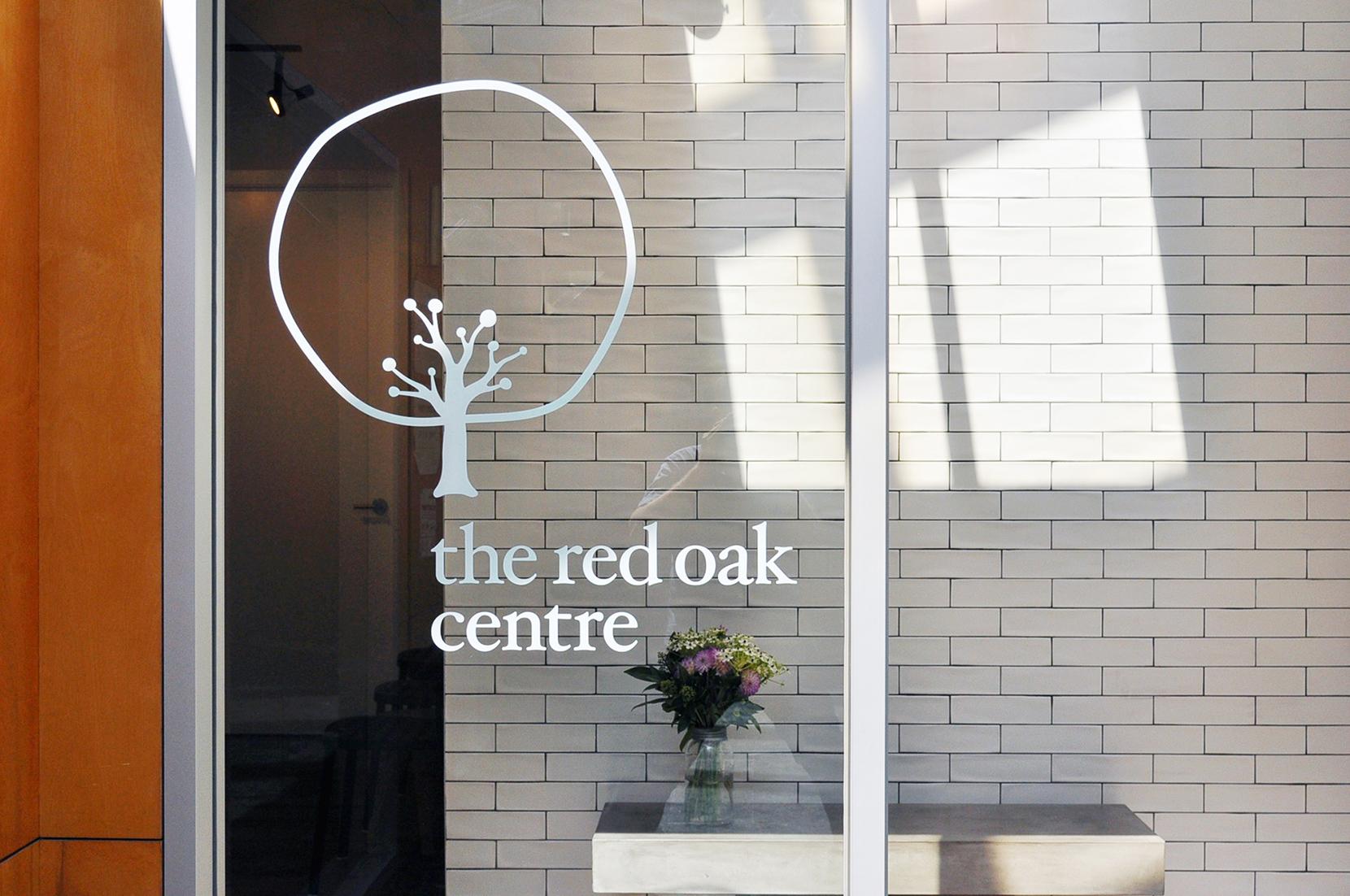 TheRedOak_sign
