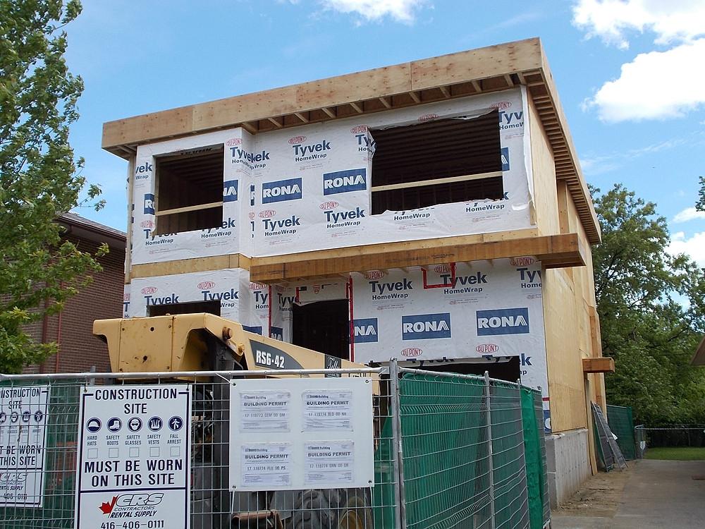 New House Etobicoke - Modern