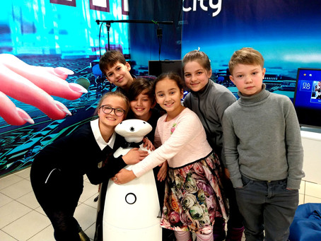 Юновцы на выставке роботов