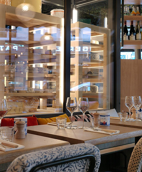 Vitrine-Fromage-Faubourg-Montmartre.jpg